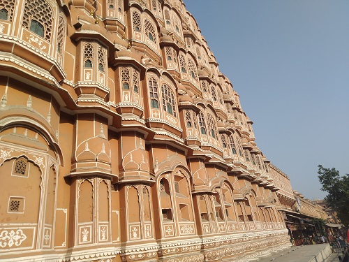 windows of hawa mahal