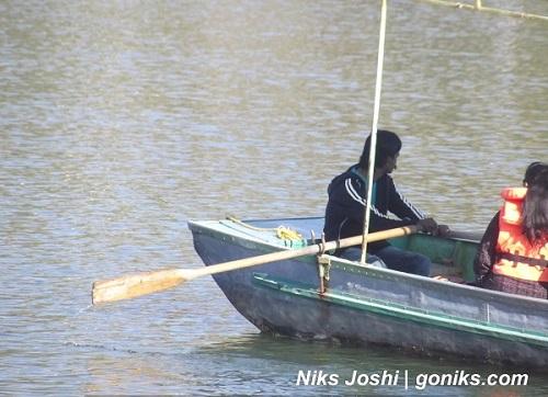 boating at lake in mount abu