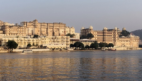 palace in lake city udaipur